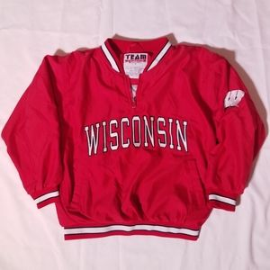 Team Apparel | WI Badgers Pullover Jacket